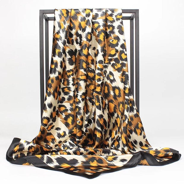 Printed square satin - Leopard gold