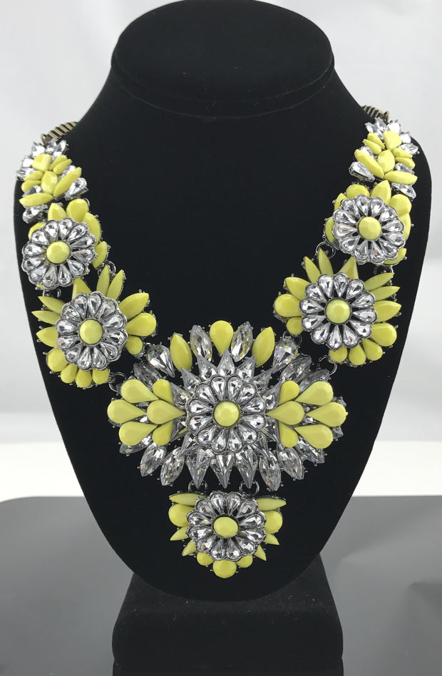 Flower Power Necklace - Hijabsandstuff