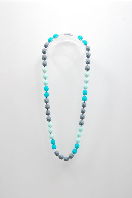 Gumeez - Lyla Teething Necklace in Seaside
