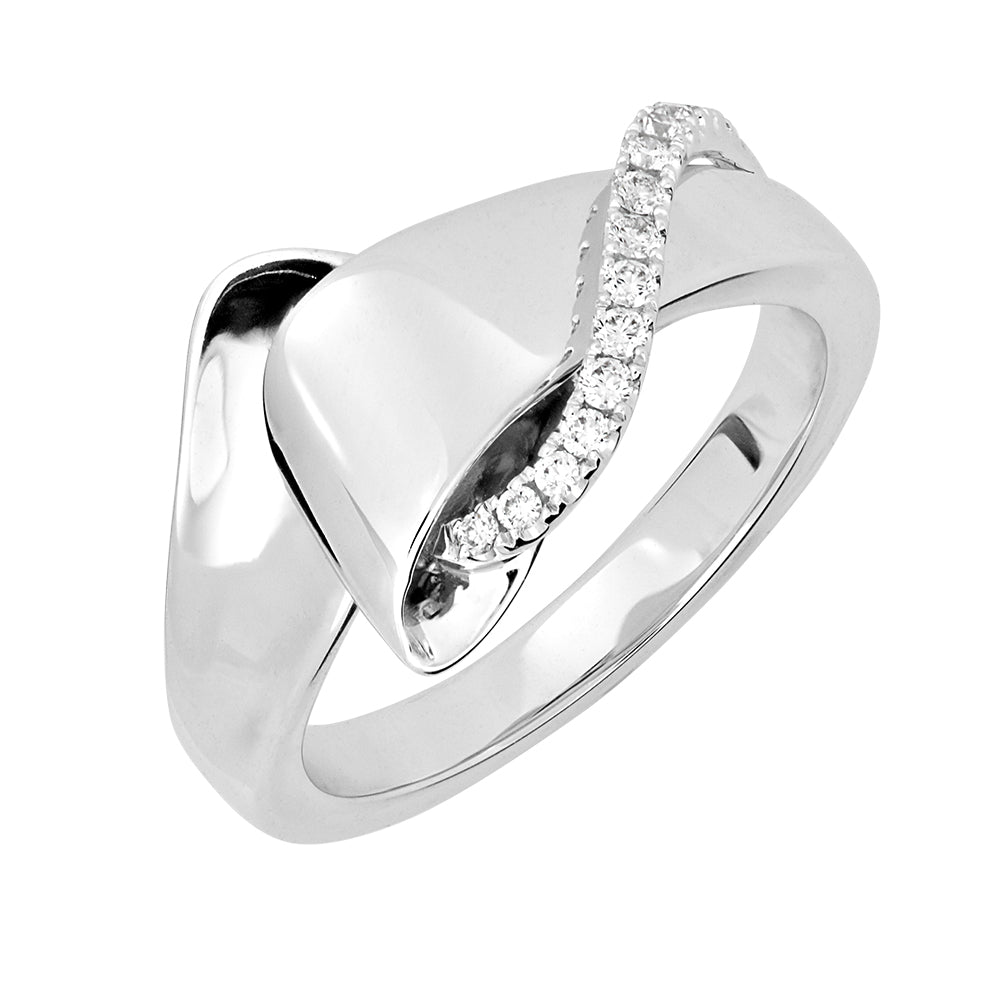 Diamond Fashion Ring  Round