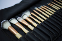 18 Piece Mieoko Makeup Brush Kit