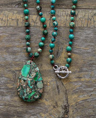 Stones Bead Pendant Knotted Necklace in blue-green made of natural stones