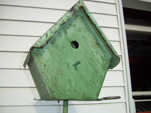 Shingle Bird House with Clean Out & Stake