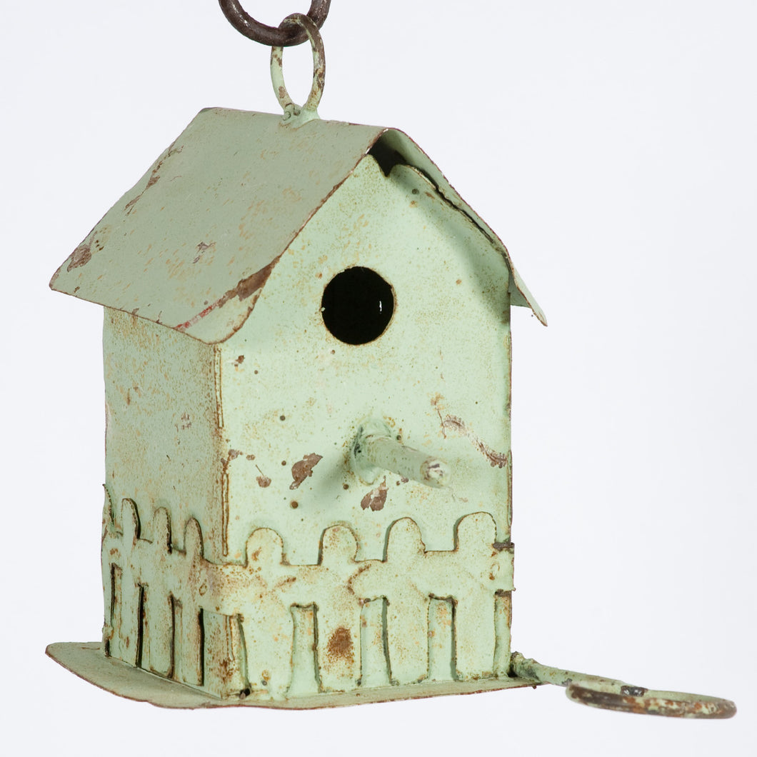 Pickett Fence Bird House wClean Out