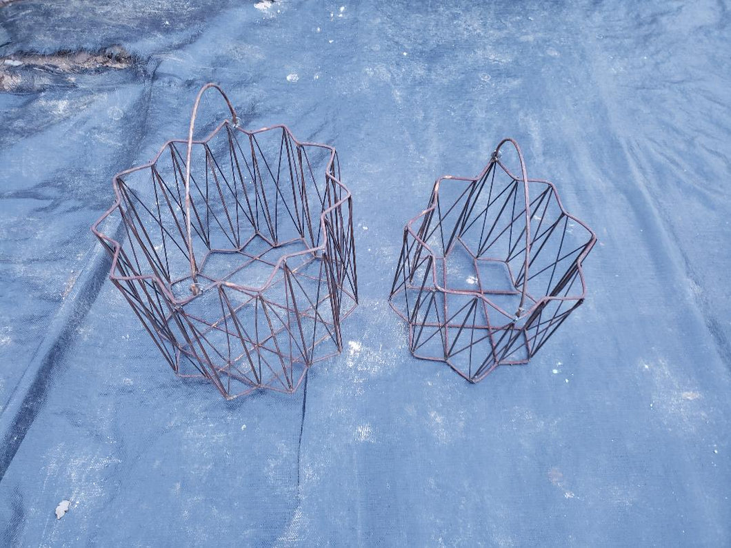 Set of 2 Star Baskets