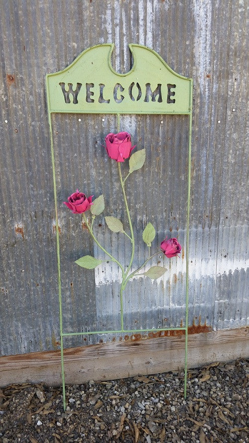 Welcome Trellis with 3 Roses