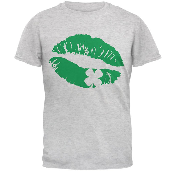 St Patrick's Day Kiss the Blarney Stone Mens T Shirt