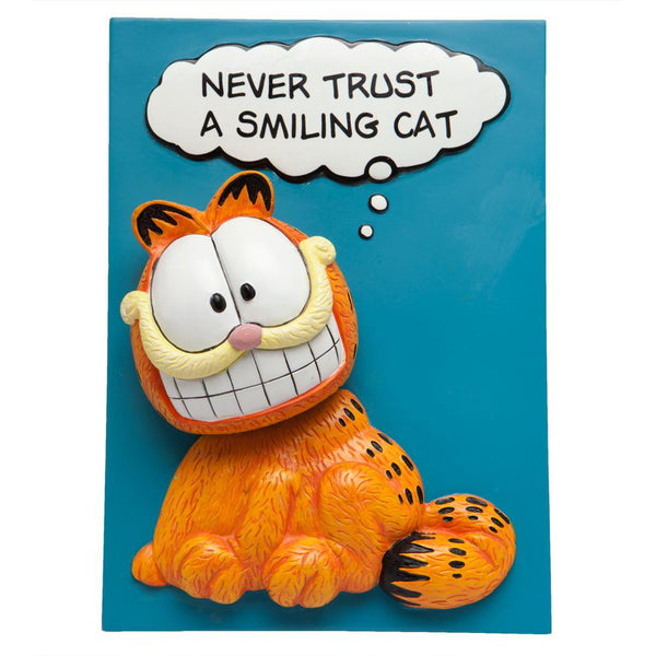 Garfield - Never Trust A Smiling Cat Bobble Plaque