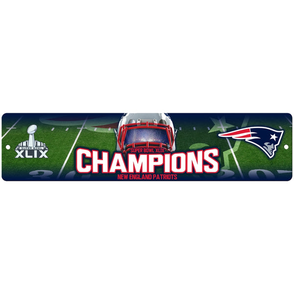 New England Patriots - Super Bowl 49 Champions Helmet & Field Collage Street Sign