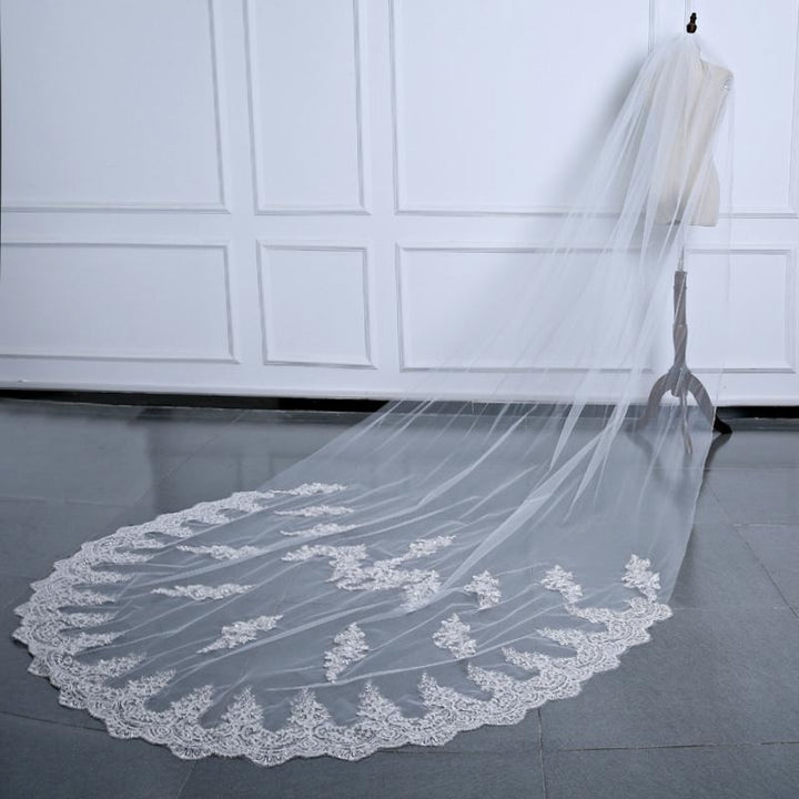2018 One Layer Lace Wedding veil with comb - SALE LAB