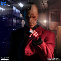 Mezco - DC - Two-Face - One:12 Collective Action Figure