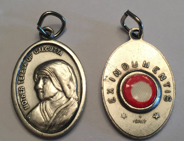 Saint Teresa of Calcutta - 1 inch Pray for Us Medal Oxidized with Third Class Relic