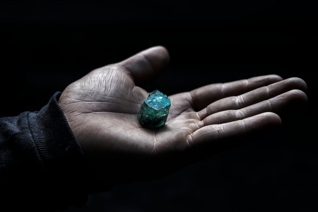 NY Times Journalist provides a compelling insight into Columbia's Emerald Mines