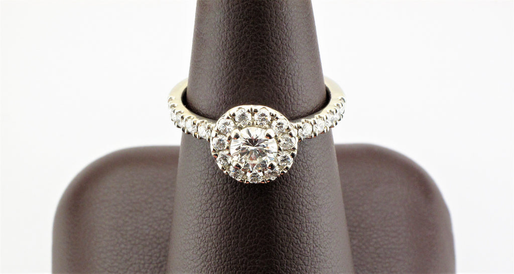 18KW Round Brilliant Diamond Ring with Diamond Halo