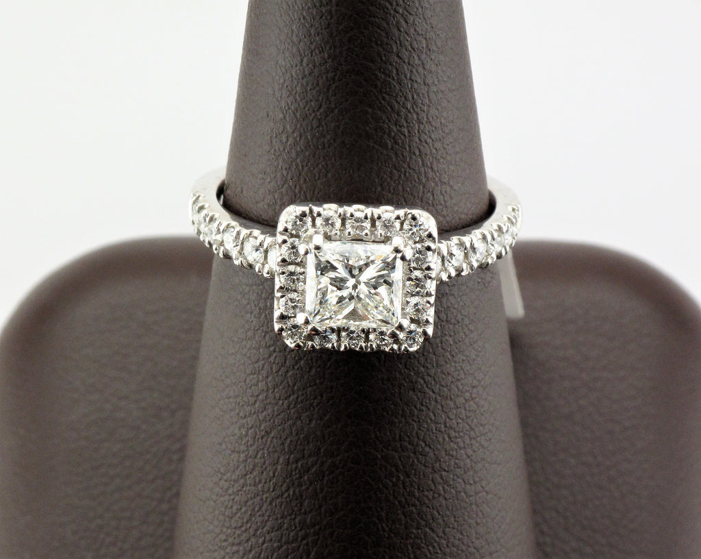 18KW Princess Halo Diamond Ring