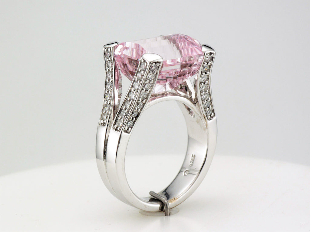 18KW Kunzite Diamond Ring