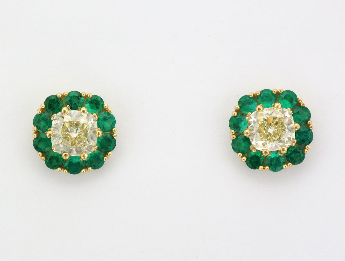 18KY Diamond Earrings with Emerald Halos