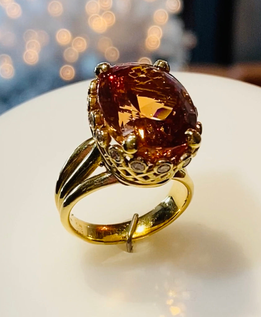 18KY Precious Topaz Ring  with Diamonds