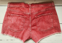 Frame le cutoff shorts in rusted berry