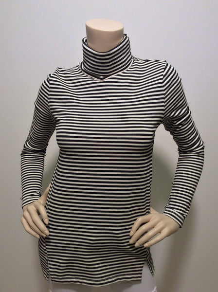 AMO striped twisted seam turtleneck
