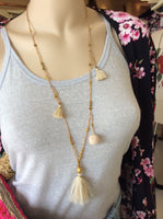 Pom Pom beaded necklace in nude