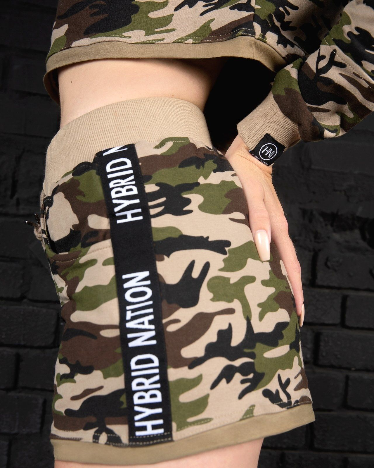 HYBRID NATION WOMEN CAMO SHORTS