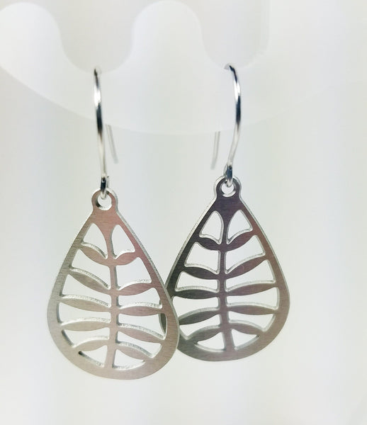 Stainless Steel Leafy Earrings & Pendant