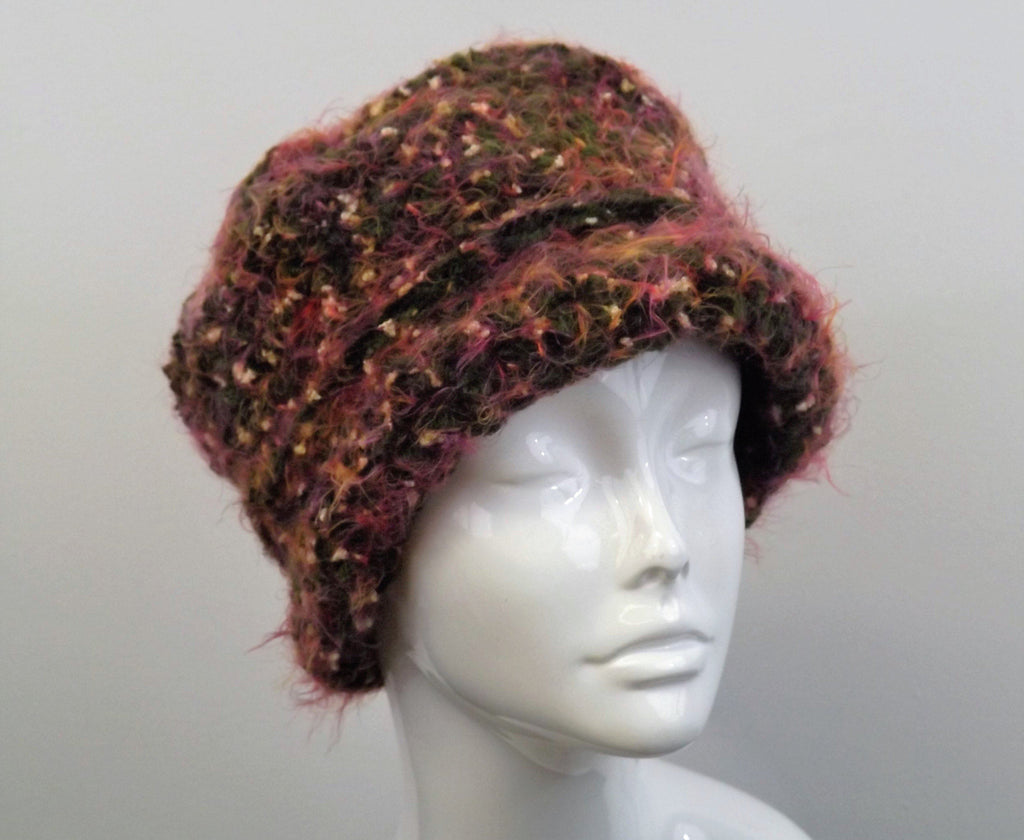 Reversible Shaped Plush Multicolor Crochet Hat - Dark Green And Rust