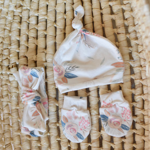 best-newborn-accessories-handmade-for-baby-gift-set