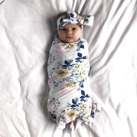 blue-floral-print-newborn-swaddle-blanket-set-with-bow-for-baby-girls