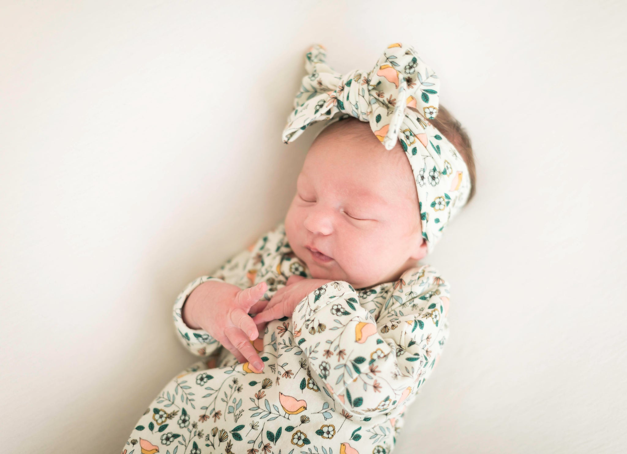 sleeping-infant-newborn-photo-inspiration