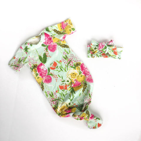 bright-colored-short-sleeve-baby-girl-gown-best-gifts-for-newborns