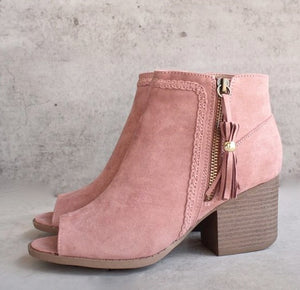 Rose peep to Bootie