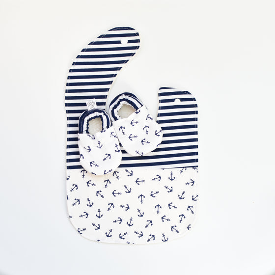 G I F T S E T S | Bib & Booties | Tossed Anchors Navy
