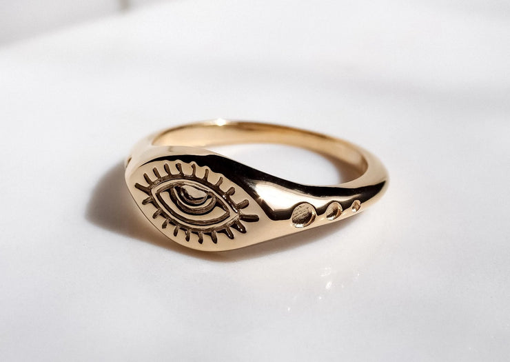 Eye See You Signet Ring
