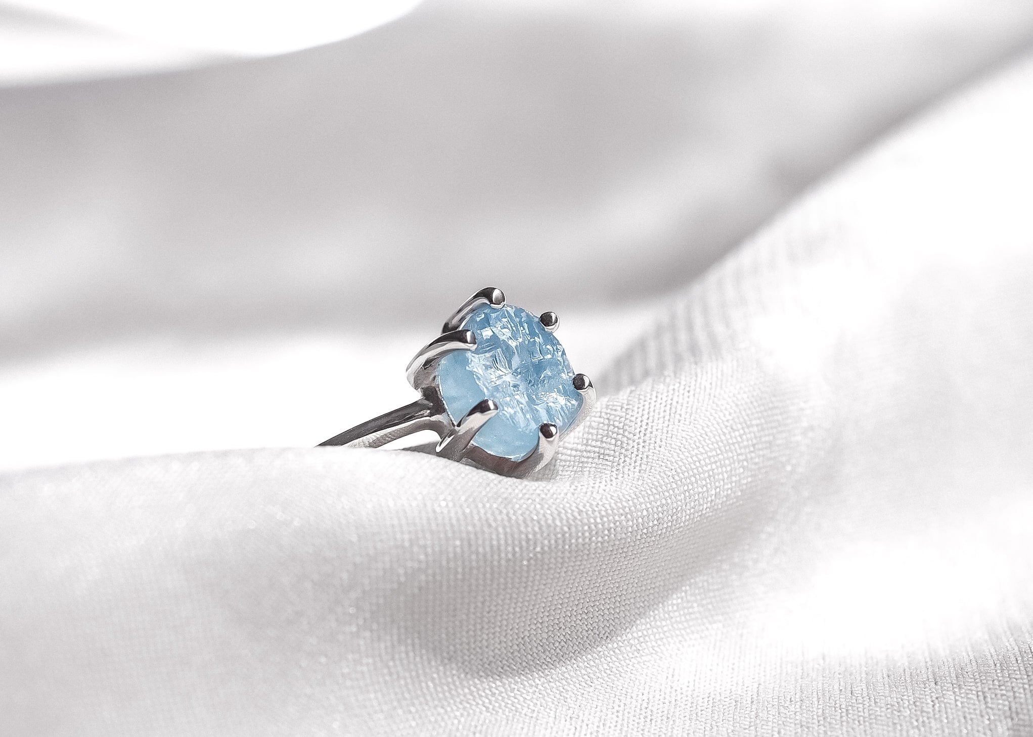 Jameela V Aquamarine Ring