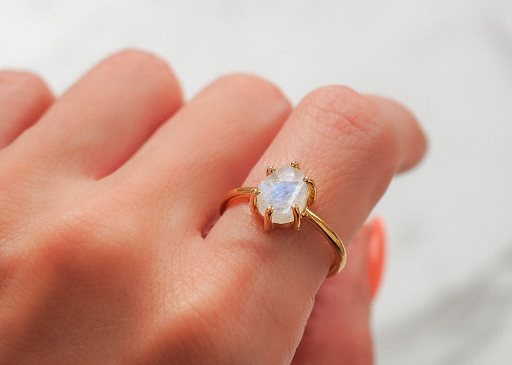Lua Nova II Moonstone Ring