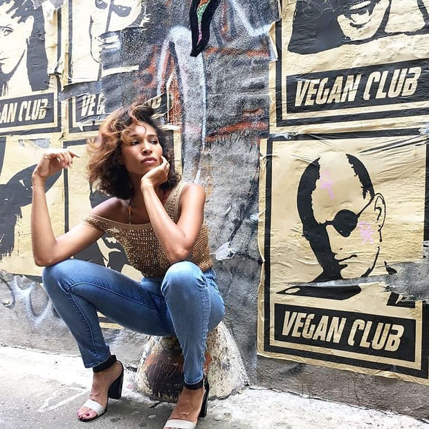 NewsPrint Poster Vegan Club feat. Woody Harrelson