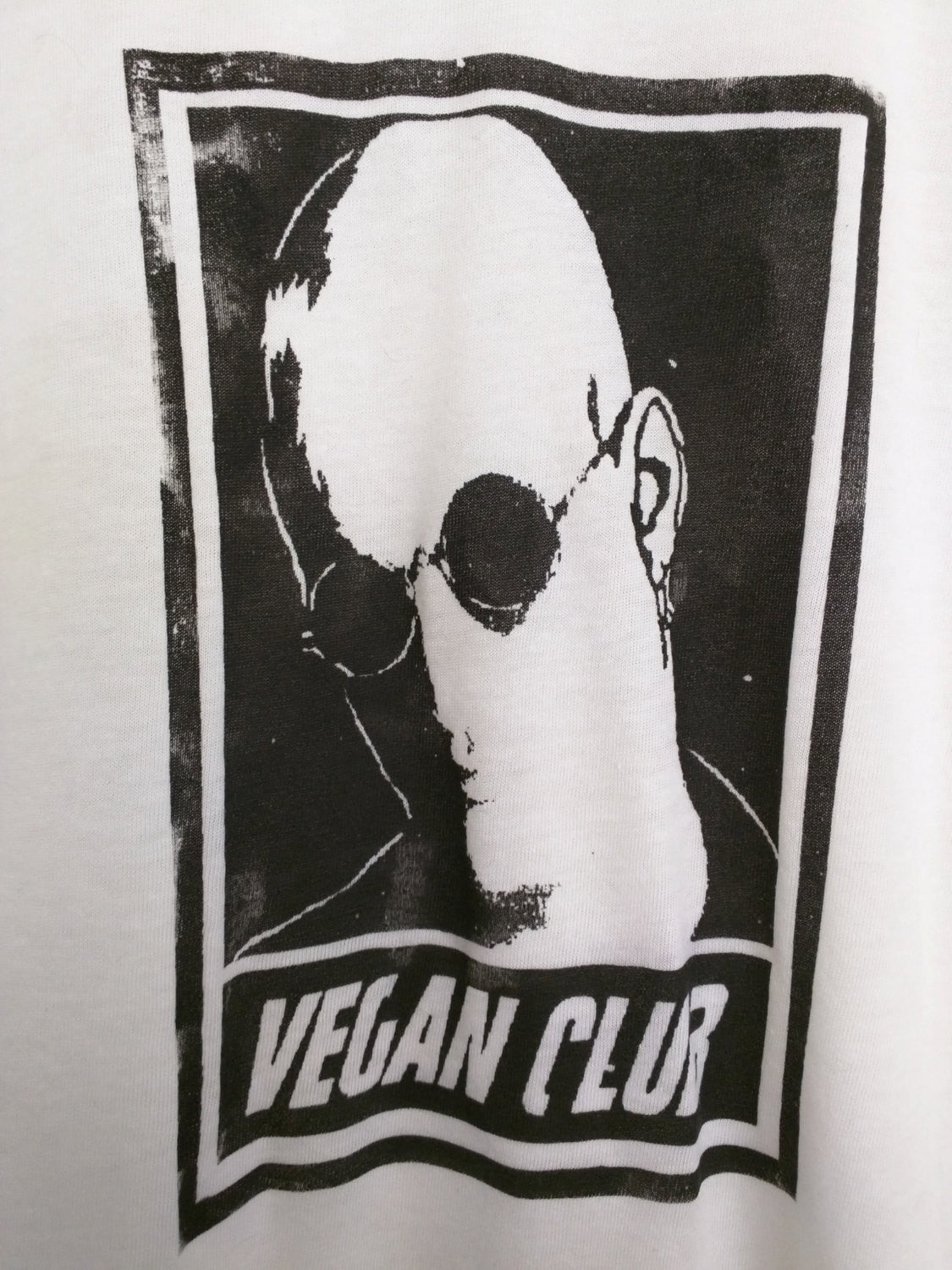 "Unisex T-shirt ""Vegan Club"" featuring Woody Harrelson handmade by L3F0u"