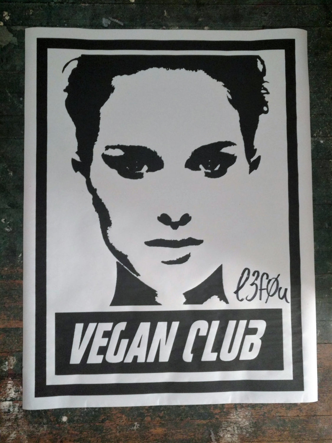 Street Art NewsPrint Poster Vegan Club Natalie Portman Signed L3f0u