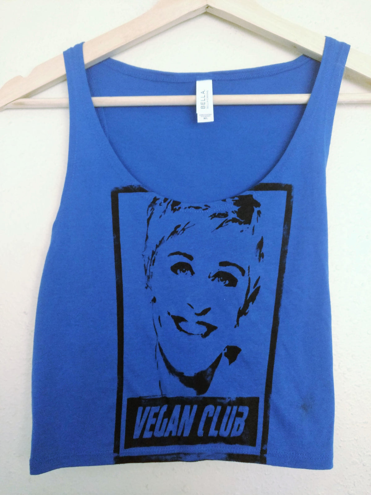 "Unisex T-shirt ""Vegan Club"" featuring Ellen Degeneres by Le Fou"
