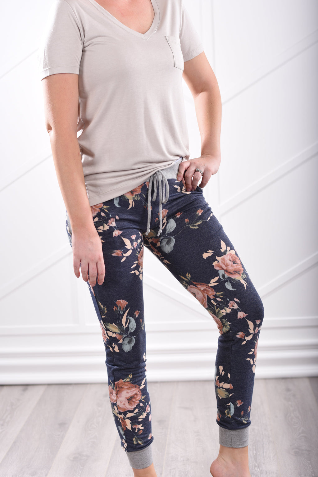 Ivy Floral Sweatpants - women's boutique clothing Strong Confident You