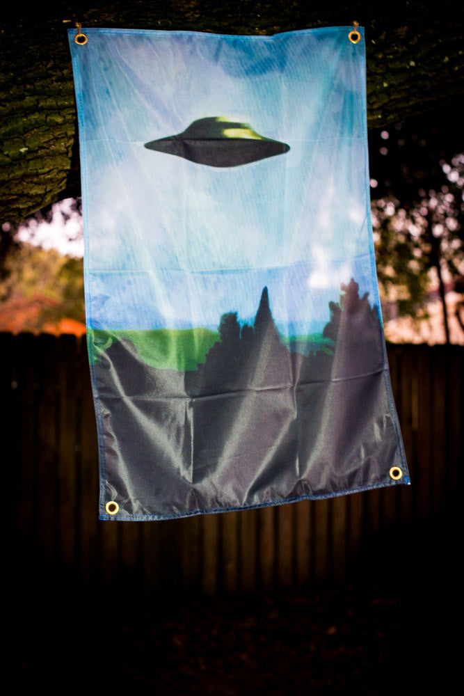 I Want to Believe Flag