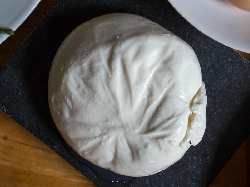 Our Guide to Pairing Fresh Cheeses & Wine