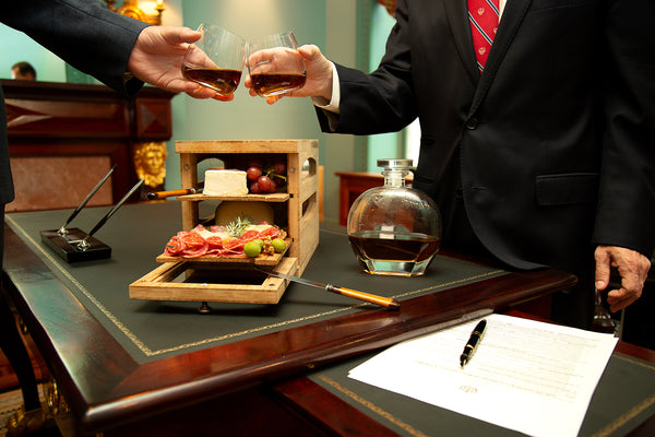 humidor for storing and serving cheese