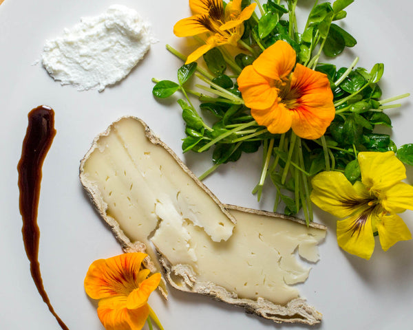 how to make a cheese board with nasturtiums and goat cheese