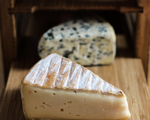 how to age blue cheese