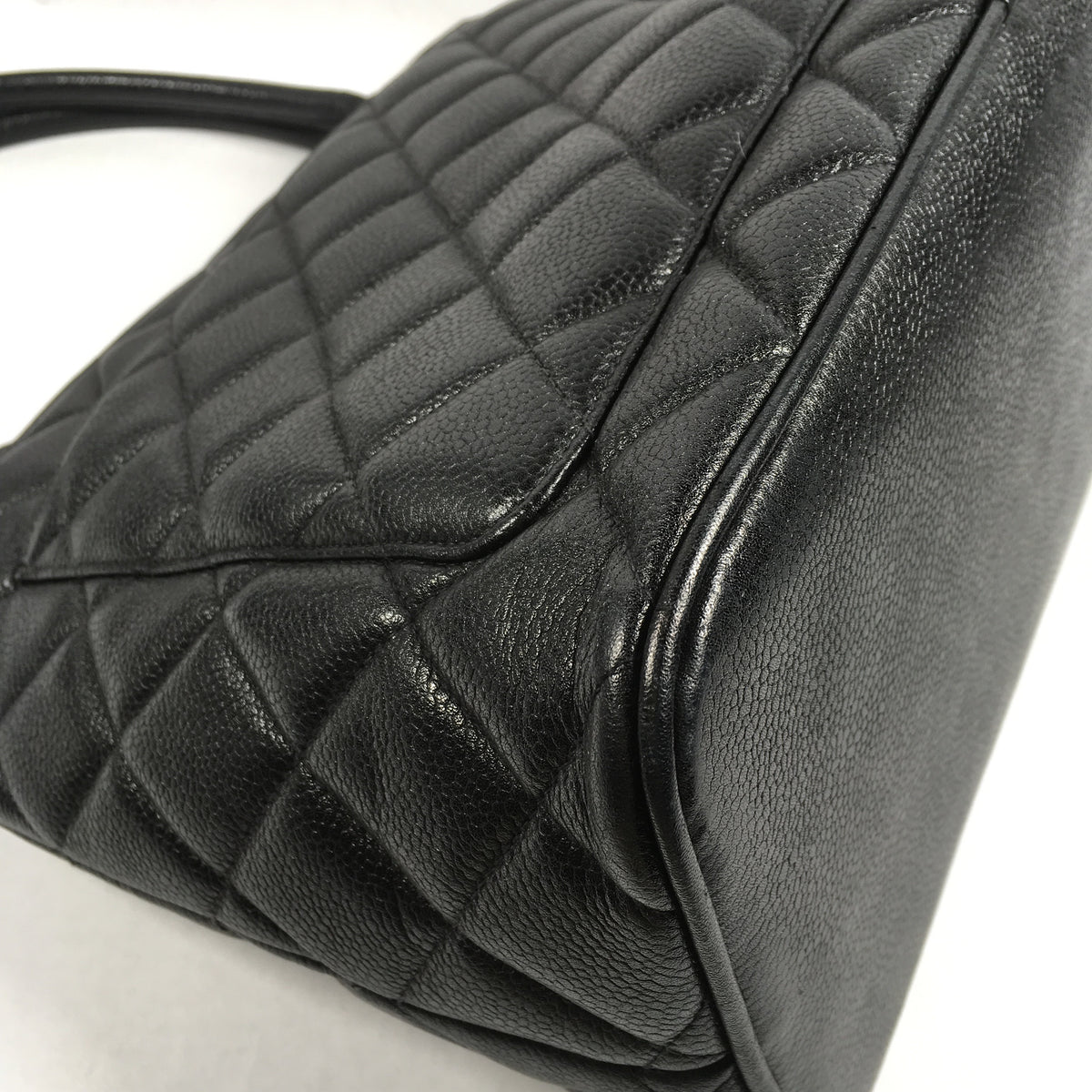 Authentic Chanel Caviar Quilted Tote Bag – Spade Creations 30bb88047e814