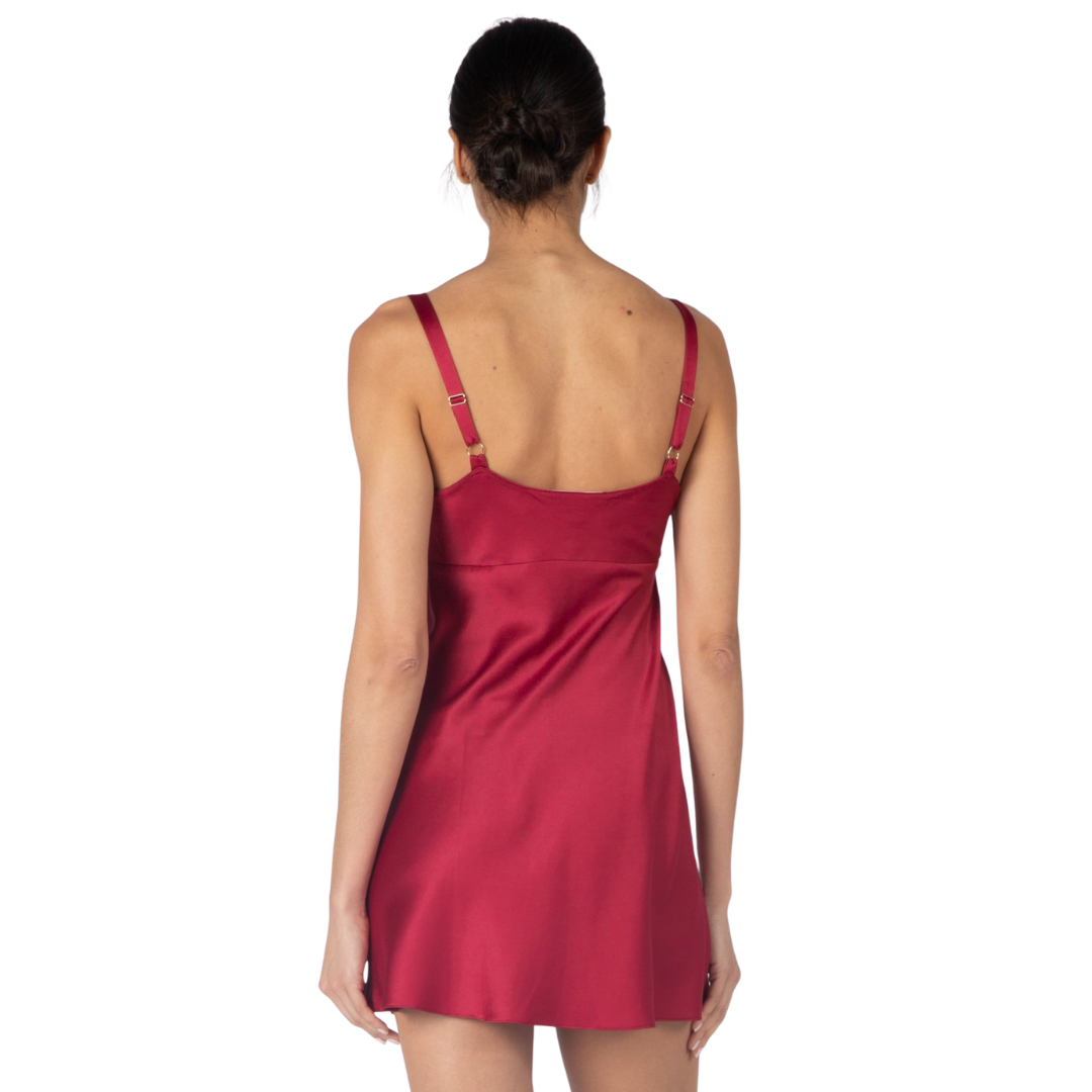 red short nightgown