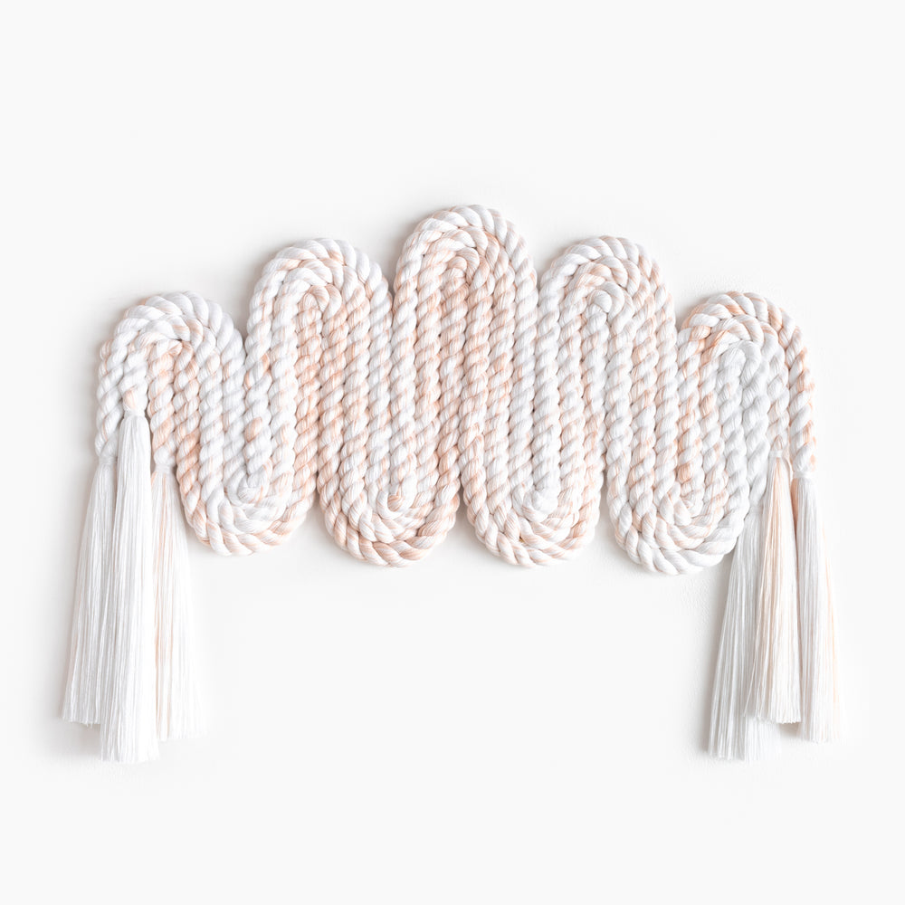 Long Rope Squiggle (Peach)